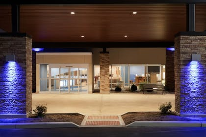Hotel Front - Evening/Night | Holiday Inn Express and Suites-Cincinnati NE - Red Bank Road