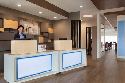 Reception | Holiday Inn Express and Suites-Cincinnati NE - Red Bank Road