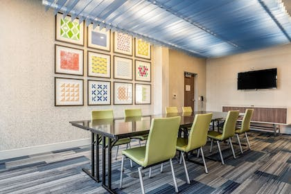 Meeting Facility | Holiday Inn Express and Suites-Platteville