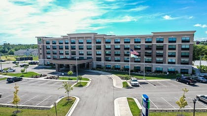 Exterior | Holiday Inn Express and Suites-Elizabethtown North