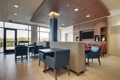 Restaurant | Holiday Inn Express and Suites-Elizabethtown North