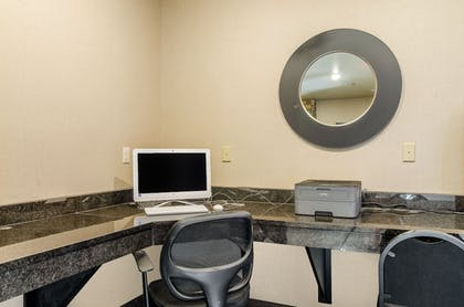Business Center | Cobblestone Hotel & Suites - Gering/Scottsbluff
