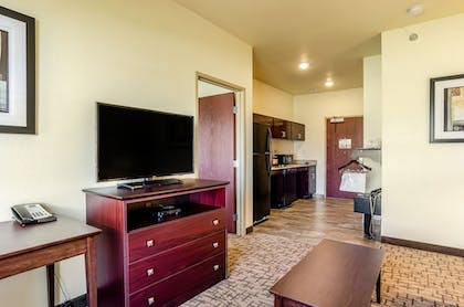 Living Area | Cobblestone Hotel & Suites - Gering/Scottsbluff