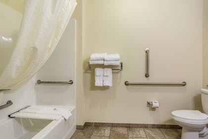 Bathroom | Cobblestone Hotel & Suites - Gering/Scottsbluff