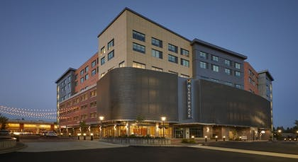 Hotel Front | Hyatt Place Eugene / Oakway Center