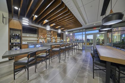 Hotel Bar | Hyatt Place Eugene / Oakway Center