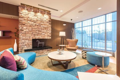 Lobby Sitting Area | Fairfield Inn & Suites by Marriott Asheville Tunnel Road