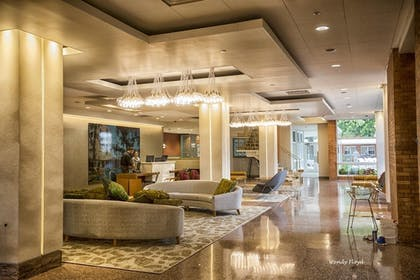 Lobby Lounge | The Fredonia Hotel and Convention Center