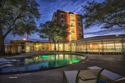 Outdoor Pool | The Fredonia Hotel and Convention Center