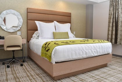 Guestroom | The Fredonia Hotel and Convention Center