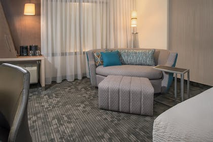 Guestroom | Courtyard by Marriott Wayne Fairfield