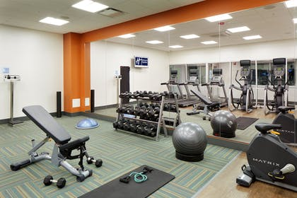 Fitness Facility | Holiday Inn Express & Suites-Cincinnati North - Liberty Way