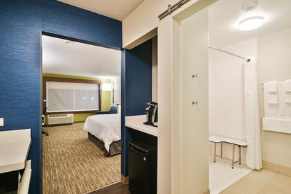 Guestroom | Holiday Inn Express and Suites-Lehi - Thanksgiving Point