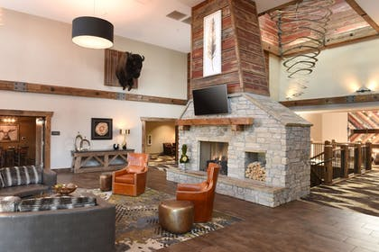 Lobby Sitting Area | Stoney Creek Hotel & Conference Center