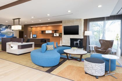 Lobby | Fairfield Inn & Suites by Marriott West Monroe