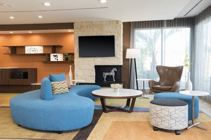 Lobby Sitting Area | Fairfield Inn & Suites by Marriott West Monroe