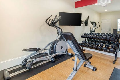 Fitness Facility | Econo Lodge Inn & Suites Houston Willowbrook