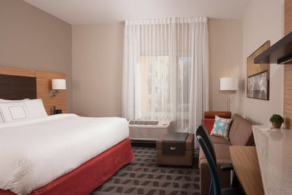 Guestroom | TownePlace Suites Charleston Airport/Convention Center