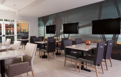 Dining | TownePlace Suites Charleston Airport/Convention Center