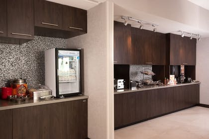 Breakfast Area | TownePlace Suites Charleston Airport/Convention Center