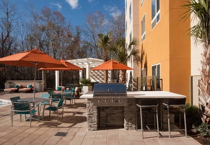BBQ/Picnic Area | TownePlace Suites Charleston Airport/Convention Center