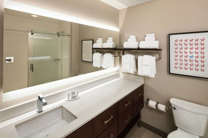 Bathroom | TownePlace Suites New Orleans Downtown/Canal Street