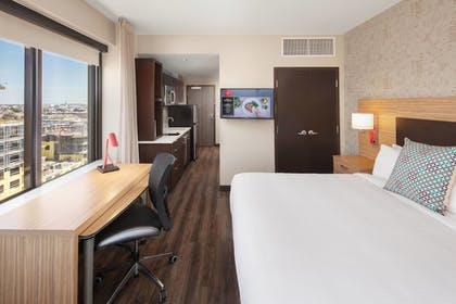 Guestroom | TownePlace Suites New Orleans Downtown/Canal Street