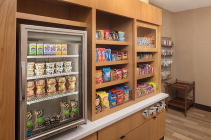 Snack Bar | TownePlace Suites New Orleans Downtown/Canal Street