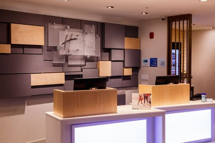 Lobby | Holiday Inn Express and Suites Gettysburg