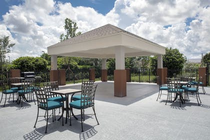Terrace/Patio | Candlewood Suites Miami Exec Airport - Kendall