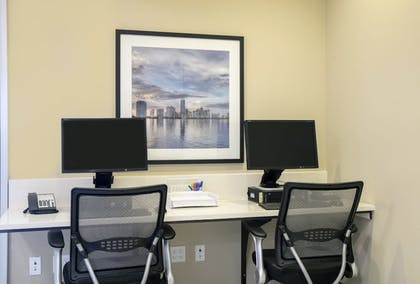 Business Center | Candlewood Suites Miami Exec Airport - Kendall