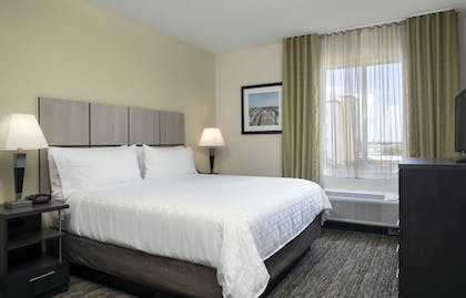 Guestroom   Candlewood Suites Miami Exec Airport - Kendall