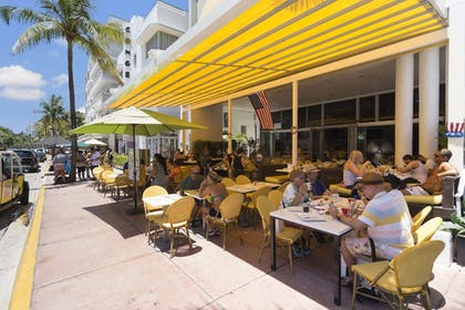 Outdoor Dining | Strand on Ocean by Sunnyside Hotels
