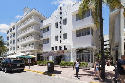 Hotel Front | Strand on Ocean by Sunnyside Hotels