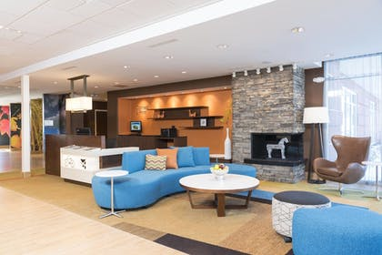 Lobby | Fairfield Inn & Suites by Marriott Indianapolis Fishers