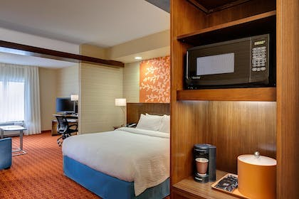 Guestroom | Fairfield Inn & Suites by Marriott Indianapolis Fishers