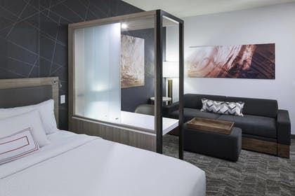 Guestroom   SpringHill Suites by Marriott Clearwater Beach