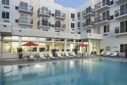 Outdoor Pool | SpringHill Suites by Marriott Clearwater Beach