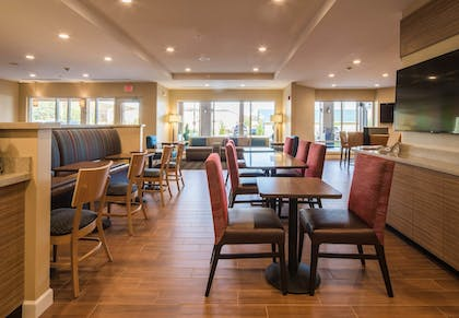 Breakfast Area | TownePlace Suites by Marriott Cleveland