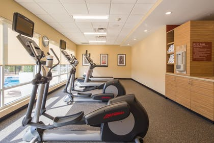 Sports Facility | TownePlace Suites by Marriott Cleveland