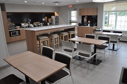 Breakfast Area | Microtel Inn and Suites by Wyndham Lubbock
