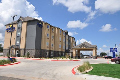 Hotel Front | Microtel Inn and Suites by Wyndham Lubbock