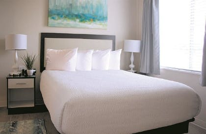 Guestroom | WaterWalk Hotel Denver Tech Center