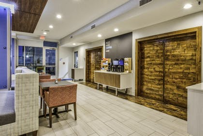 Restaurant | Holiday Inn Express & Suites Farmers Branch