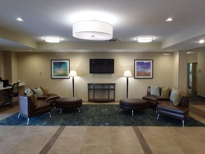 Lobby | Candlewood Suites Farmers Branch