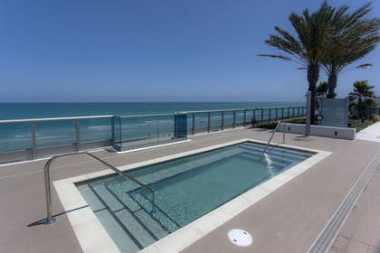 Outdoor Pool | Suite Life Miami at The Monte Carlo