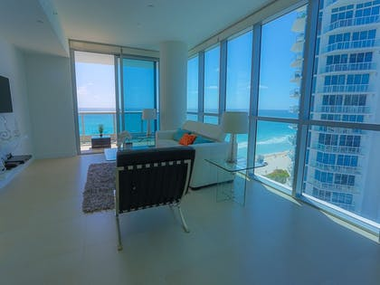 Featured Image | Suite Life Miami at The Monte Carlo