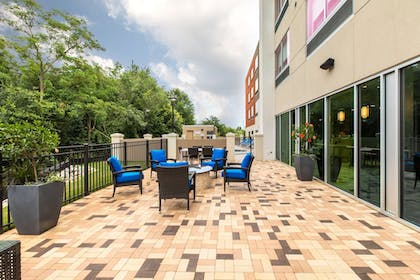 Property Grounds | Holiday Inn Express & Suites Greenville S- Piedmont