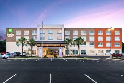 Featured Image | Holiday Inn Express & Suites Greenville S- Piedmont