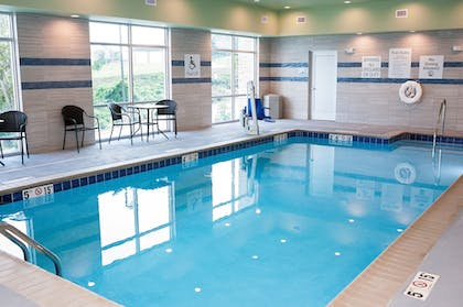 Pool   Holiday Inn Express And Suites- Birmingham North-Fultondale